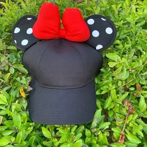 NWT Minnie Mouse Disney Ears Hat